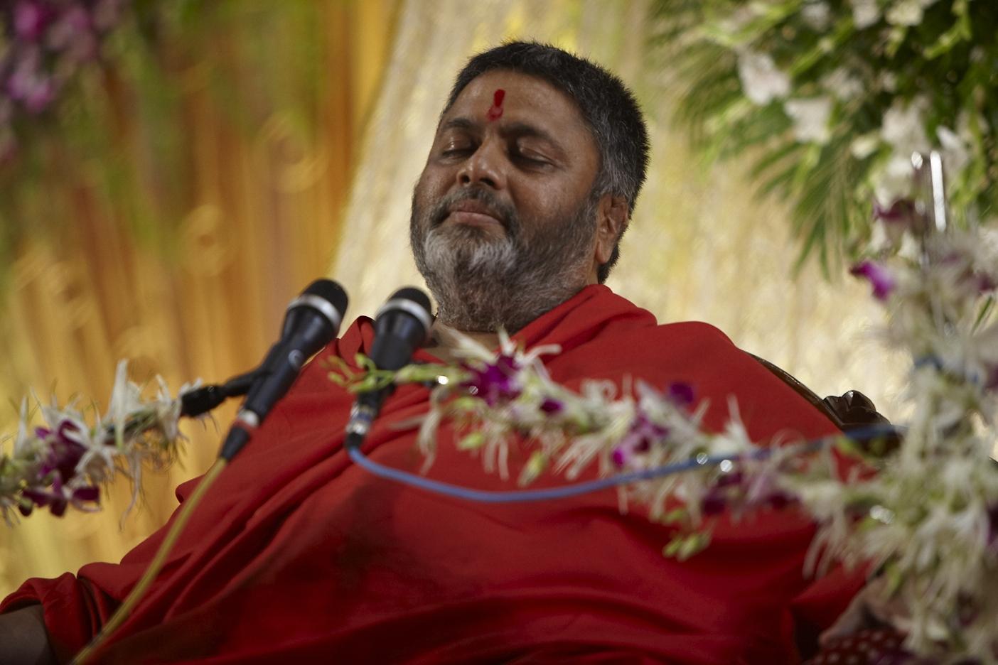 Dr  Avdhoot Shivanand | Shiv Yog